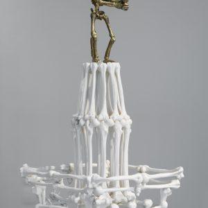 Notre Dame des os (de?tail), 2009, Bro nze, acier, 57 x 20 x 63 cm
