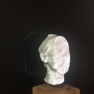 E. Daynes - Identity, 2019 - silicone, matériaux de synthèse, bois, métal - 50 x 23 x 20 cm-Edition 3sur3